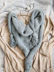 Beginner triangle scarf crochet pattern
