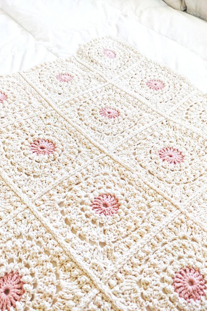 crochet granny square blanket a free pattern