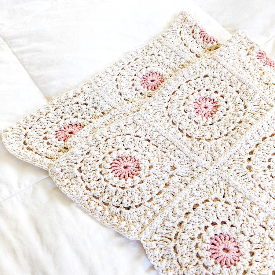 How to crochet a granny square blanket using the Circle of Friends granny square motif