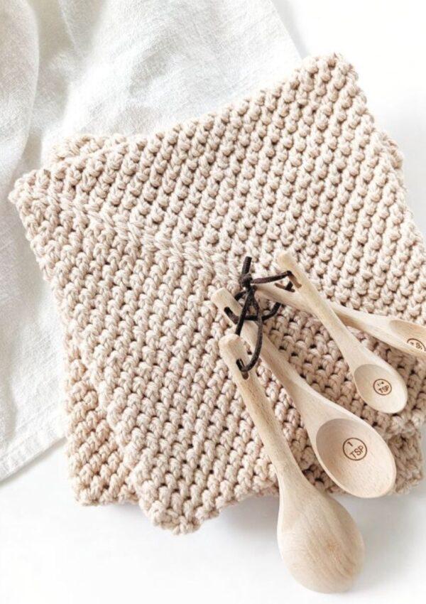 Modern Double Thick Crochet Potholders – Free Pattern