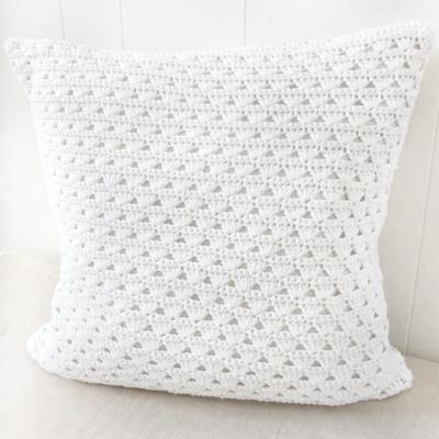 modern crochet pillow pattern, shell stitch