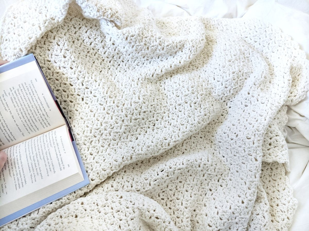 easy crochet blanket made with cotton yarn
