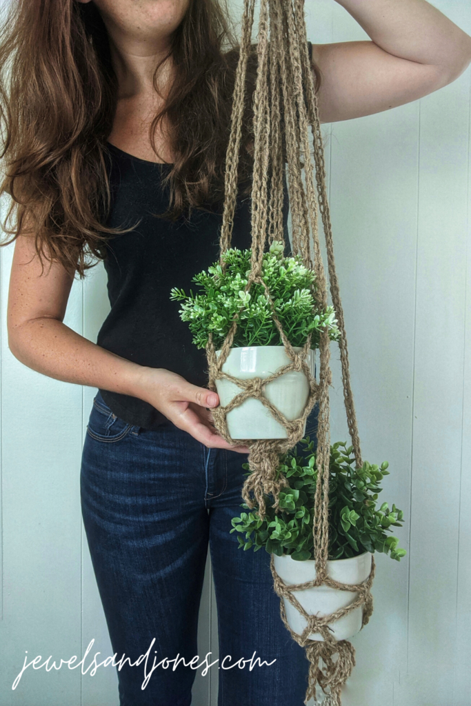 crochet plant hangers, a free guided tutorial