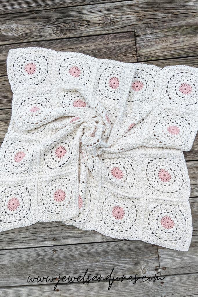 circle of friends crochet granny square blanket
