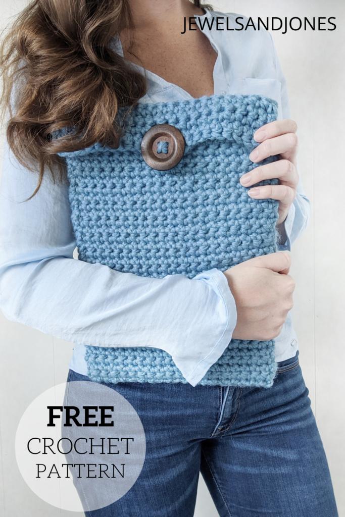 an easy crochet laptop case, a free crochet pattern