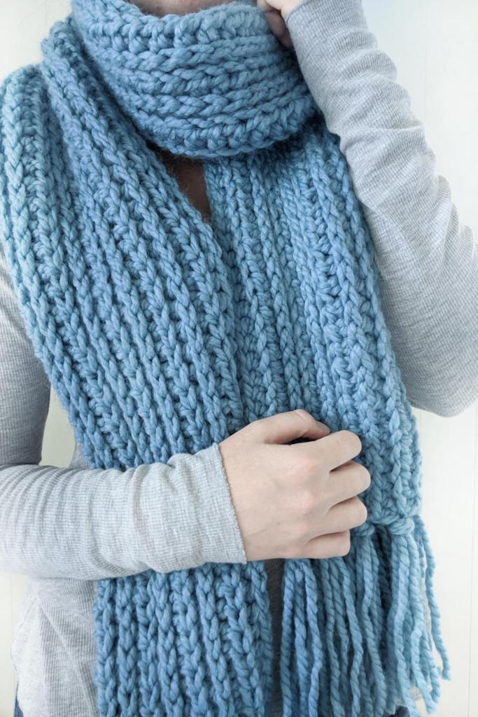 free chunky knit-like crochet scarf