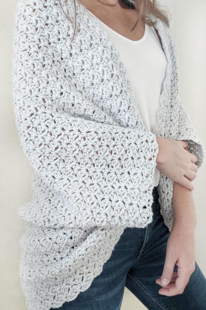 crochet blanket shrug side view, free crochet pattern