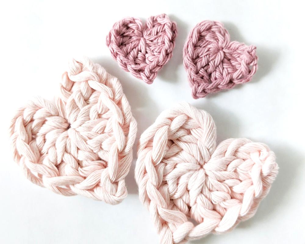 different size crochet mini hearts