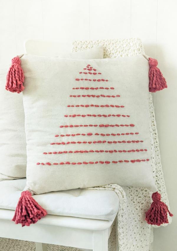 How to make a handmade Christmas tree pillow
