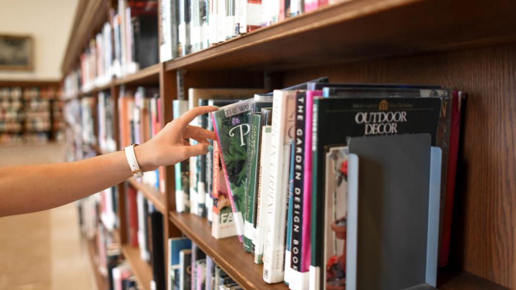 libros de crochet para principiantes que puedes encontrar en la biblioteca
