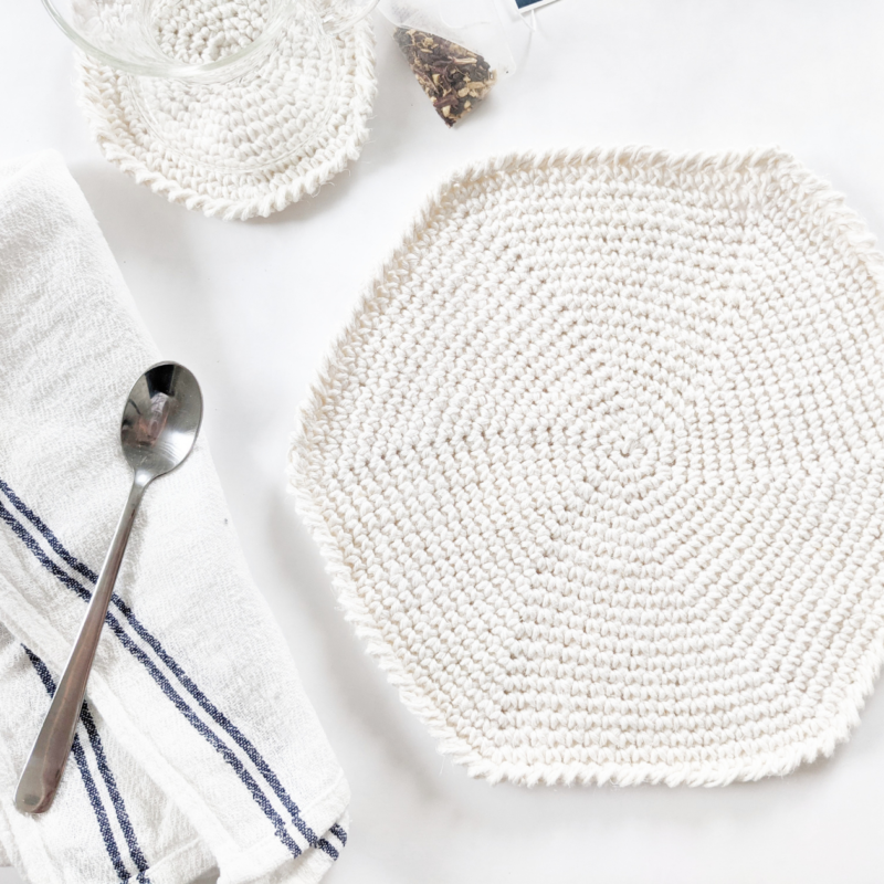 Easy Crochet Round Placemat – Free Pattern