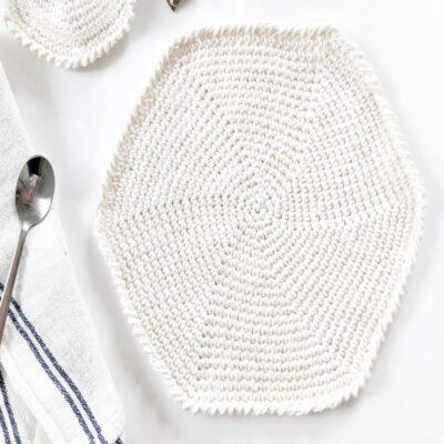 free crochet round placemat pattern