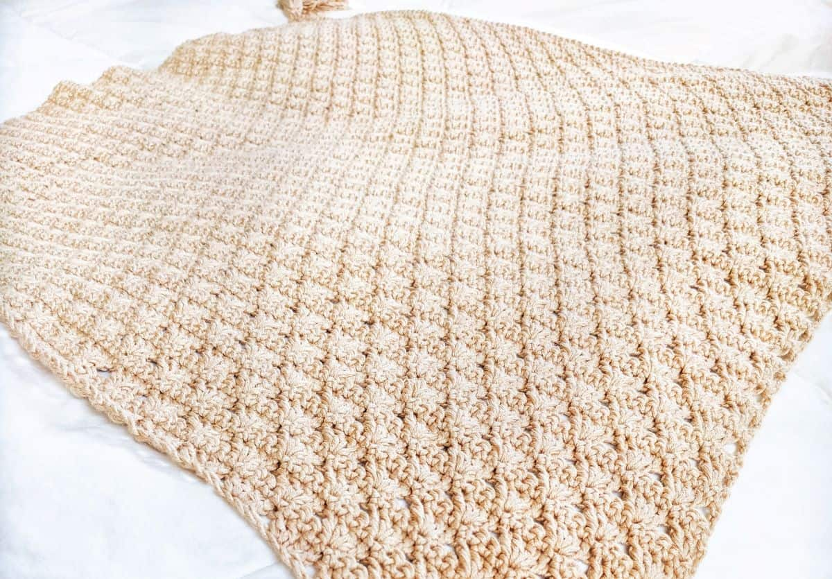 a full view of the crochet shell stitch baby blanket pattern